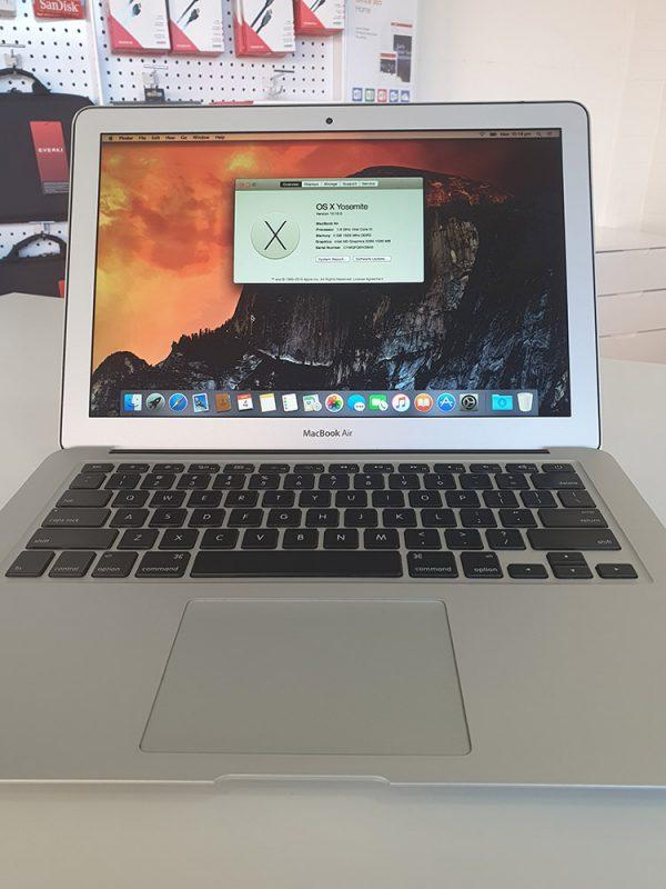 "Refurbished Apple MacBook Air 13"" 2015 front"